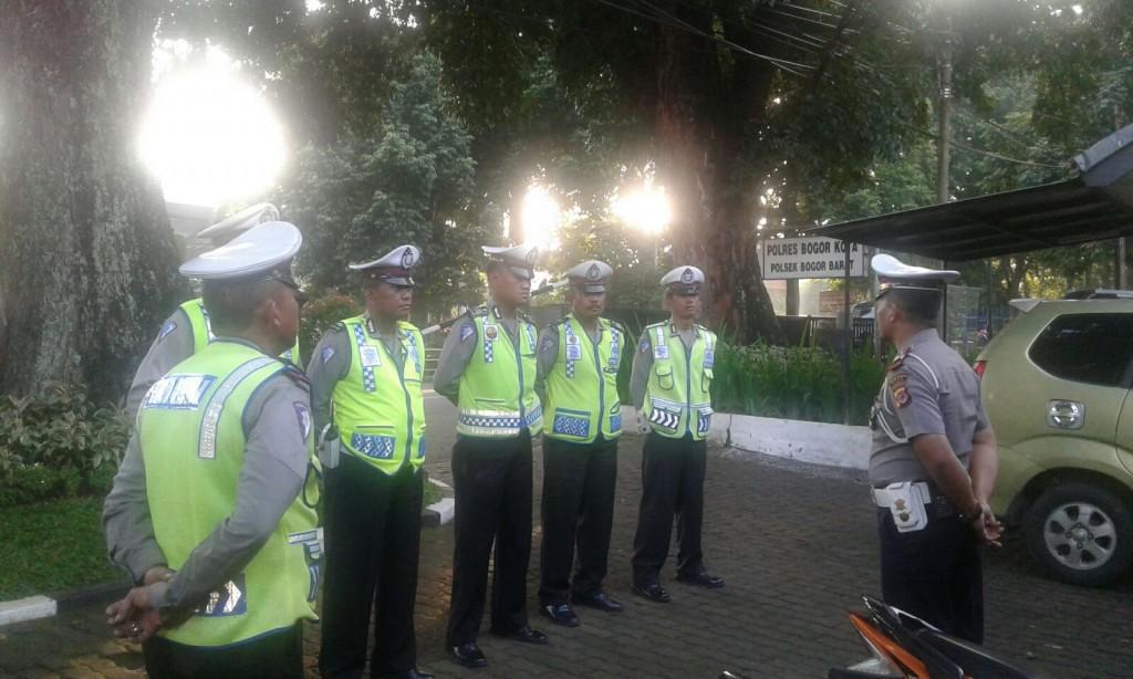 Antisipasi Arus Balik Long Weekend Polsek Bogor Barat Terapkan