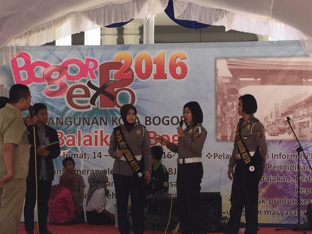 Polres Bogor Kota ikut meriahkan kegiatan Bogor Expo 2016. Si POBO dan Pelayanan SIM serta SAMSAT Keliling turut mengisi acara yang berlangsung sampai hari Jumat (18/3/2016). Dok. Humas Polres Bogor Kota.