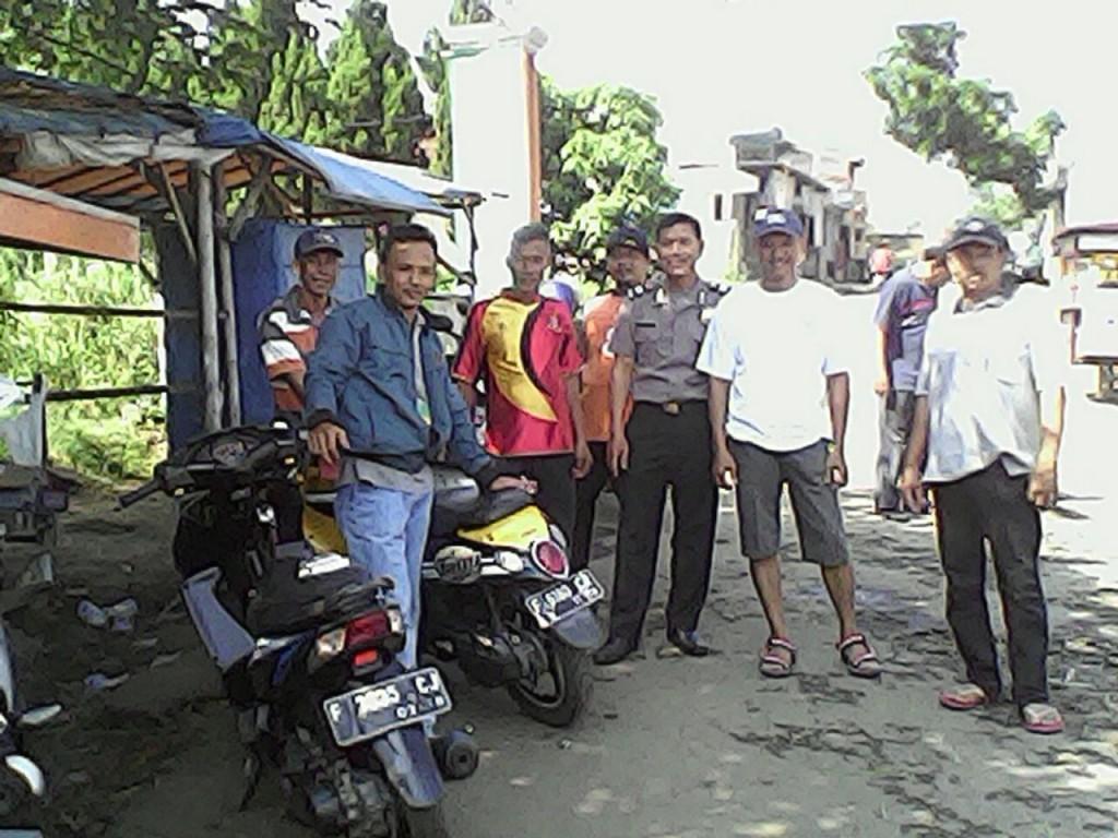 Bhabinkamtibmas Kelurahan Kencana Sambangi Ojeg di Perumahan Darmais