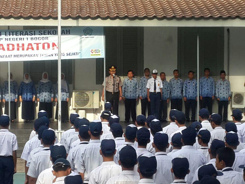 Polisi Masuk Sekolah Wakapolres Jadi Pembina Upacara Di Smpn 1 Alx Water Jogging Belt Terlaris