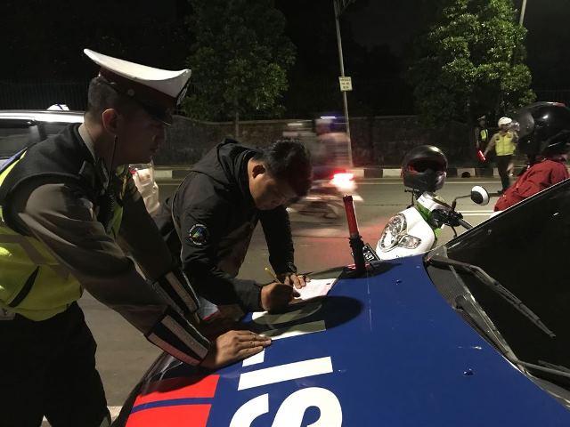 Kegiatan Patroli dan Operasi Skala Besar yang dilaksanakan Polresta Bogor  Kota dan jajaran Polsek yang rutin dilaksanakan setiap malam minggu dan  malam ... 51563a57641a